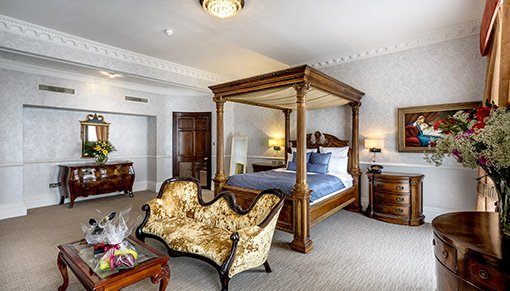 Lilly Langtry Suite